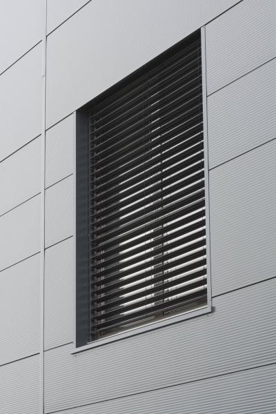 éalisation de menuiseries aluminium extérieures Installux avec BSO
