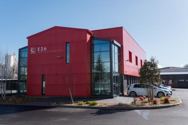 Travaux au siège de l'entreprise E26 du Groupe CHEVAL pour la réalisation de menuiserie aluminium
