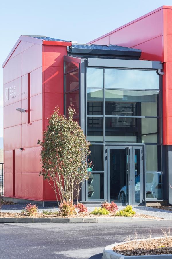 Travaux au siège de l'entreprise E26 du Groupe CHEVAL pour la réalisation de menuiserie aluminium, Toiture verrière avec vitrage à contrôle solaire