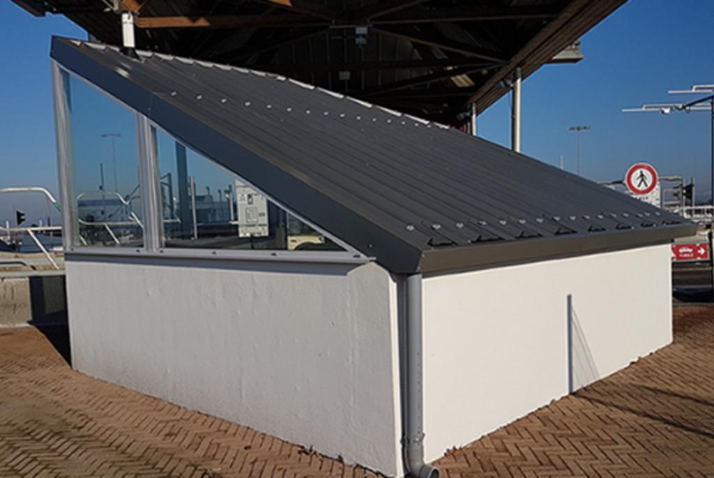 Couverture des édicules de galerie d'autoroute APRR